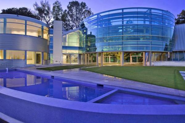 Vivez dans la Maison de Justin Bieber grâce à Coldwell Banker.